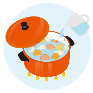 他の肉・野菜を炒め、水と固形スープを入れて煮込む。