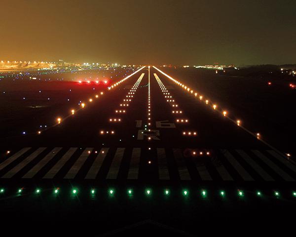 航空灯火点検