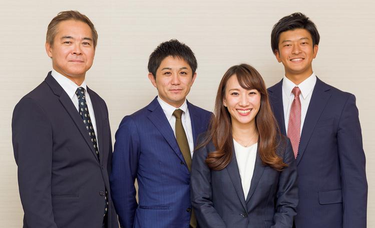 日鉄住金物産株式会社 人事部 植田裕真さん、秋田麻希さん、小竹綾華さん(左から)