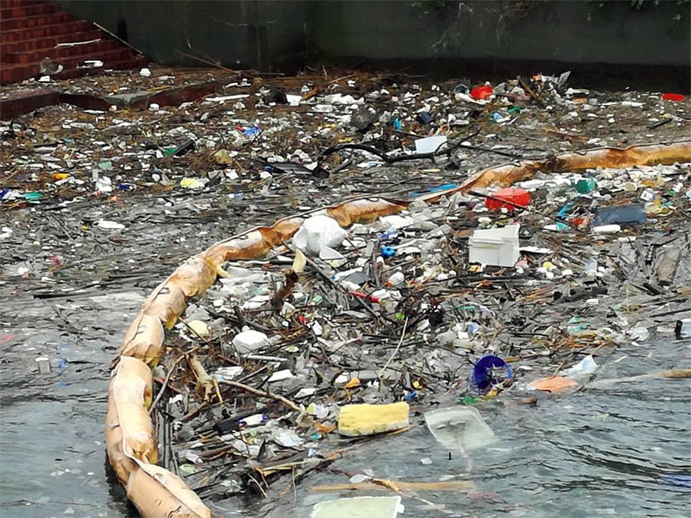 マイボトルで海を守る